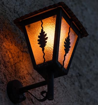 Buiten wandlampen plaatsen, waar moet je op letten